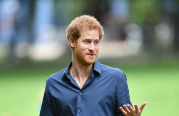 Prinssi Harry peri Diana-äitinsä hyväsydämisyyden: ilahdutti taas kuolemansairasta poikaa! Koskettavat kuvat