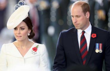 William ja Catherine rikkovat hovin sääntöä.