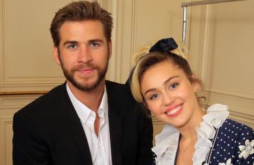 Liam Hemsworth ja Miley Cyrus onnellisia yhdessä.