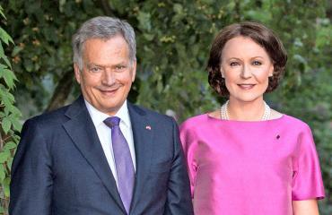 Presidenttipari omistaa talon Espoossa.