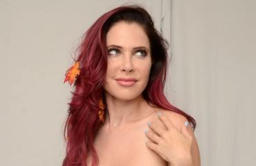 Erika Jordan poseerasi alasti.