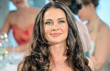 Mira Salolla oli konsertissa komea miesseuralainen.