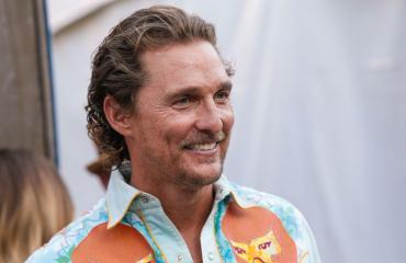 Matthew McConaughey skeittasi seksinuken kanssa.