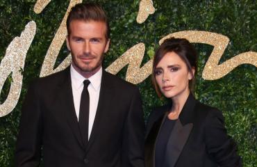 David Beckham tukee vaimonsa bisneksiä.