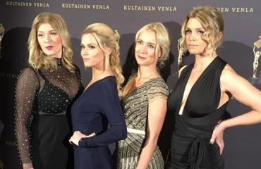 Tuhmat tädit Monika Lindeman (vas.), Tiia Elg, Nora Rinne ja Irina Vartia.