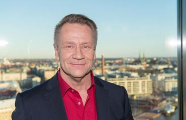 Olli Lindholm haluaa Kari Salmelaisen ja Janne Katajan saappaisiin.