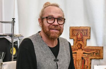 Jussi Parviainen esitteli asuinkumppaninsa.