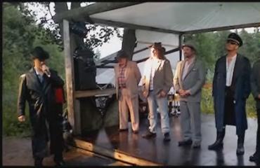 Tässä strippaa Perussuomalaisten uusi varapuheenjohtaja - video!