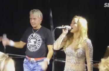 Riitelystä huolimatta Matti Nykänen lauloi kohuristeilyllä serenadin Pia-vaimolleen - video!