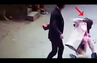 Miespuolinen kauppias matkusti lähes tuhat kilometriä hakatakseen palvelusta valittaneen naisasiakkaan! Katso järkyttävä video!